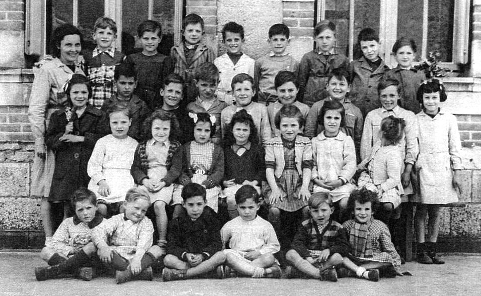 Photo école des filles de Griselles - 1951
